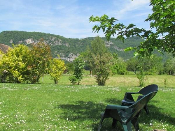 vue du jardin, accès direct à la voie verte Viarhôna