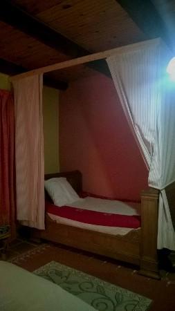 le lit clos en 130 complémentaire dans la chambre