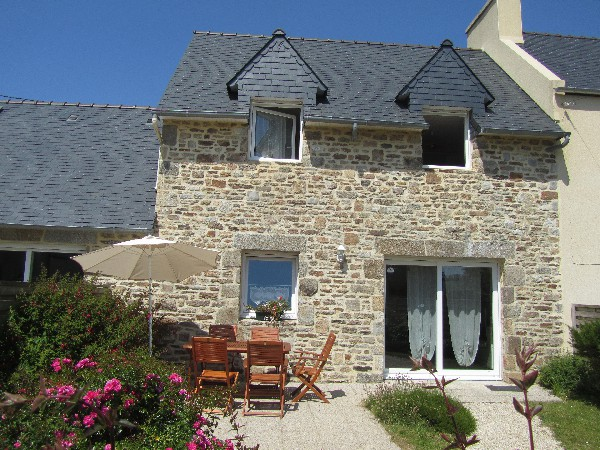 "Gite "" terre et mer"" : terrasse, salon de jardin, parasol, barbecue..."