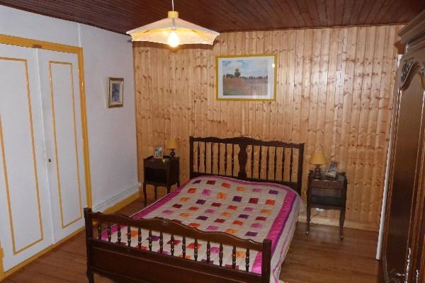 la chambre bouton-d'or pour un couple et son lit enfant (possibilité d'ajouter un 2ème lit bébé)