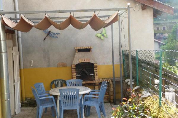 Une terrasse bien accueillante pour des moments de partage
