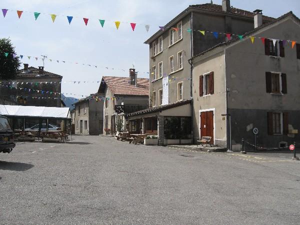 Place du village de Saint Agnan en Vercors