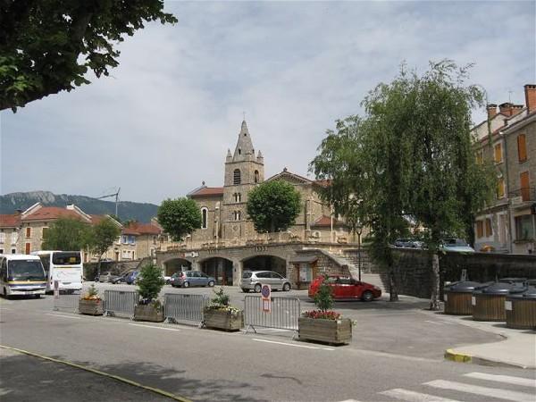 place principale de la Chapelle en Vercors